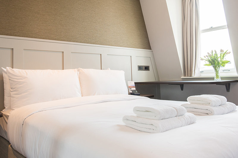 double_room_02   ::.Mowbray Court Hotel London.::